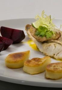 Filet z sandacza z foie gras w sosie marchewkowo-waniliowym